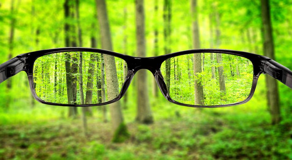 cirurgia de miopia ou uso de lentes de contato para miopia
