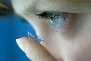 Saiba os principais mitos sobre lentes de contato