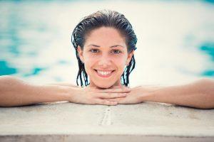 posso nadar com lentes de contato