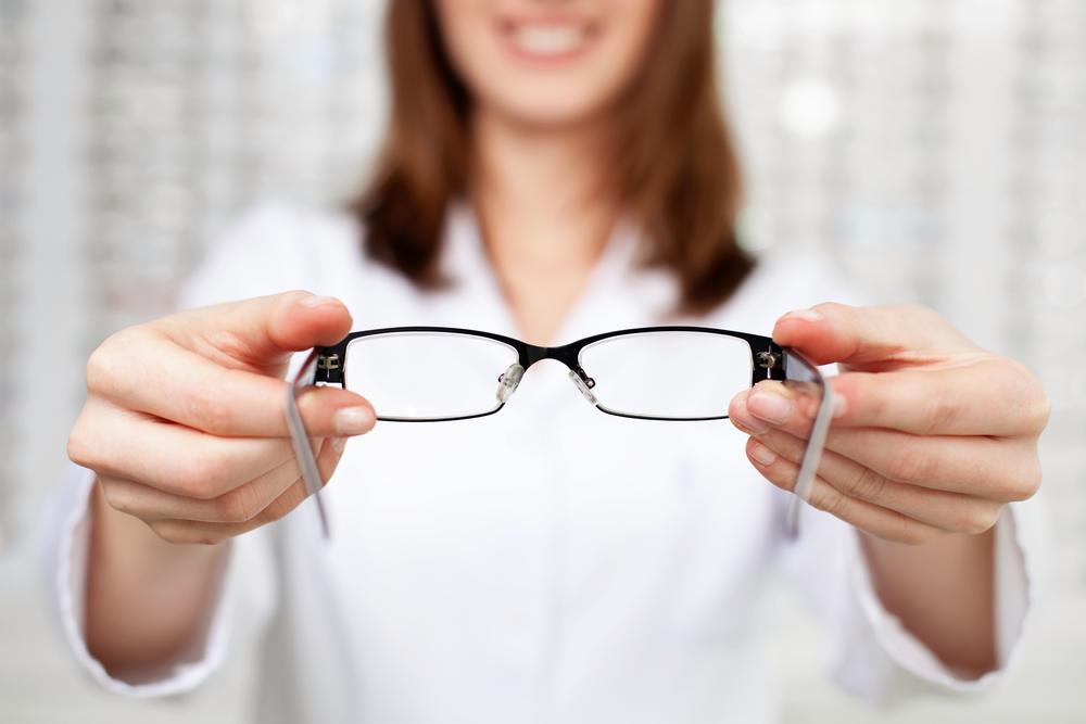 quais sao os sinais de é necessário usar óculos