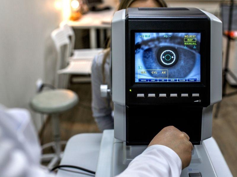Imagem de um exame visual feito com um aparelho tecnológico