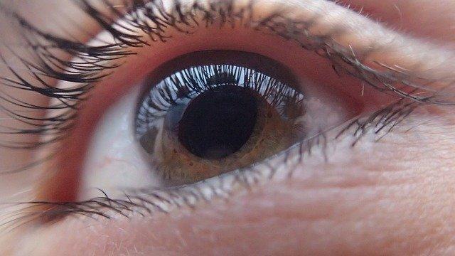 Imagem de um olho humano para capa do conteúdo de pressão intraocular